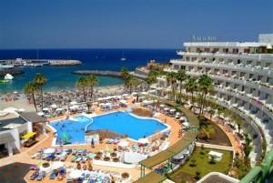 Пляж и отель HOVIMA La Pinta 4 в Адехе