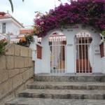 Вход в апартаменты Вилла Тропикана (Villas Tropicana)