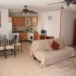 Гостиная и столовая в апартаменте Вилла Тропикана (Villas Tropicana)