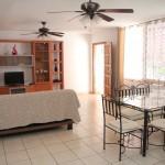 Гостиная в апартаменте Вилла Тропикана (Villas Tropicana)